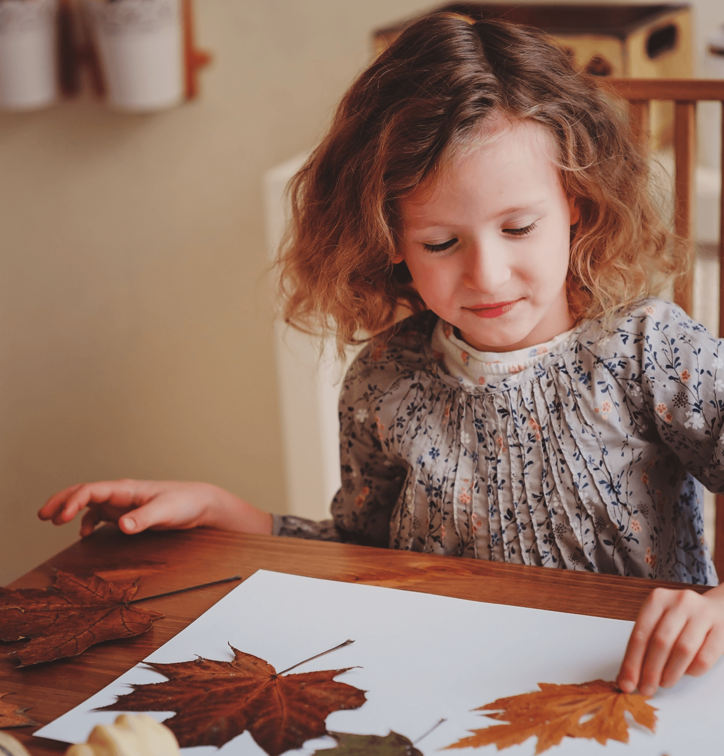 How to Host a Memorable Thanksgiving Dinner Child Image